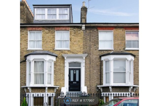 Room to rent in Egerton Drive, London SE10