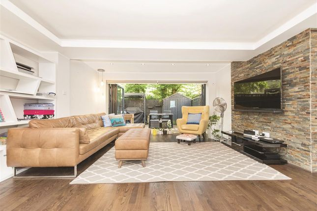 Thumbnail Terraced house to rent in Lewesdon Close, London