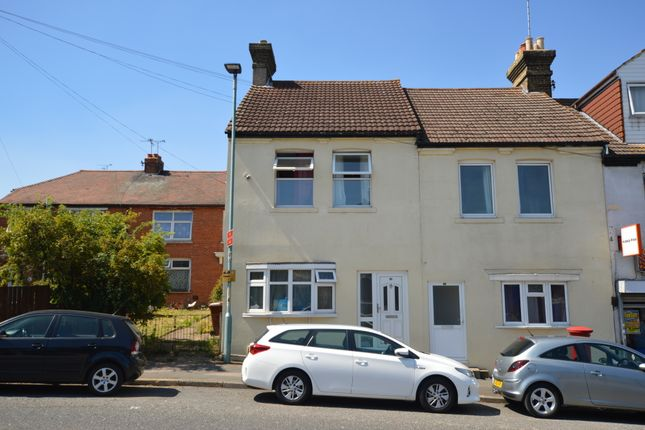 Thumbnail Shared accommodation to rent in Church Street, Gillingham