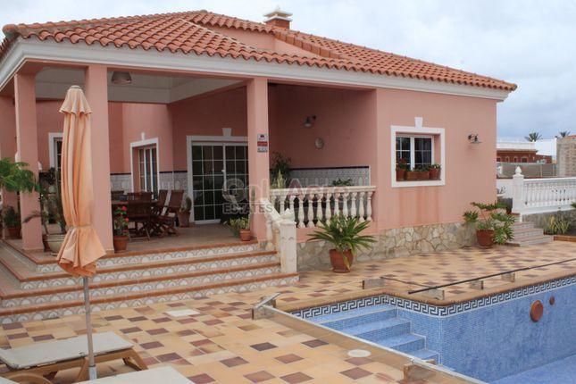 Thumbnail Villa for sale in Corralejo, Corralejo, Canary Islands, Spain
