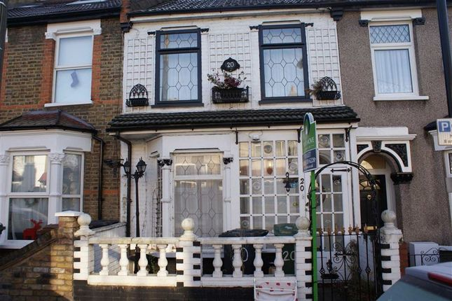 3 bed property to rent in Gloucester Road, London