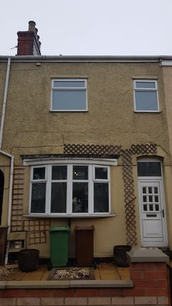 Thumbnail Duplex to rent in Hainton Avenue, Grimsby