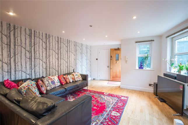 Thumbnail Detached house for sale in Falkland House Mews, Falkland Road, London