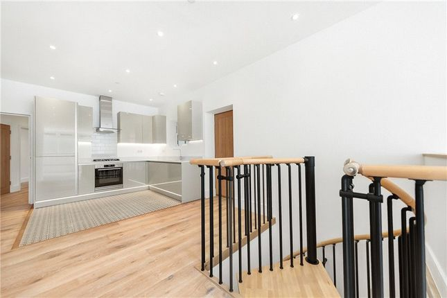 Picture No. 18 of Kit Apartments, 151 Camberwell New Road, Oval, London SE5