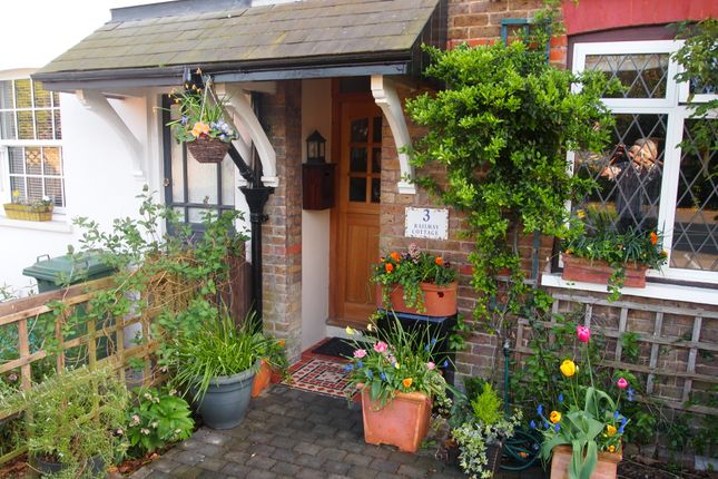 Thumbnail Terraced house for sale in Station Road, Bagshot