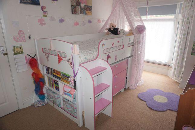 Bedroom of Spring Bank West, Hull HU3