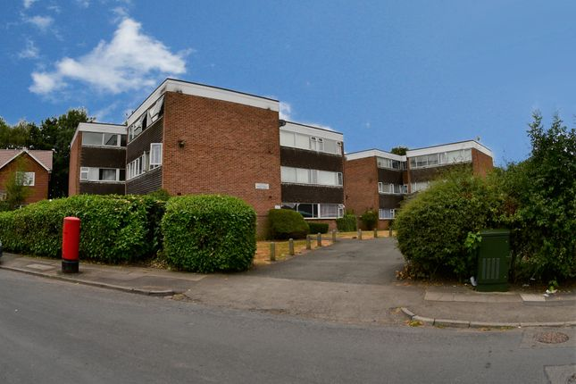 Thumbnail Flat to rent in Yarningdale Road, Willenhall, Coventry