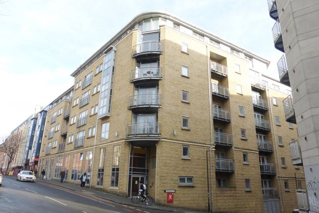 Thumbnail Flat for sale in Montague Street, Bristol