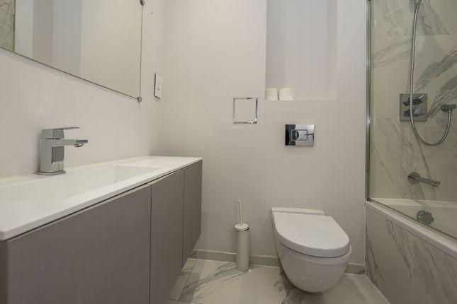 Bathroom 2 of West Gate, London W5
