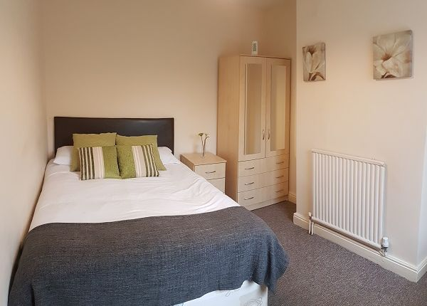 Room to rent in New Rowley Road, Dudley DY2