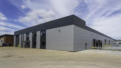 Thumbnail Light industrial to let in 9 Woodside, Humphrys Road, Dunstable, Bedfordshire