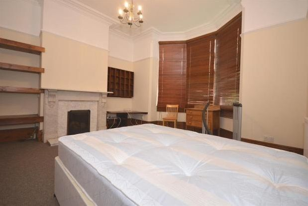 Thumbnail Flat to rent in Severn Road, Broomhill