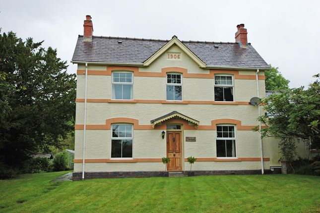 Thumbnail Country house for sale in Cynghordy, Llandovery, Carmarthenshire