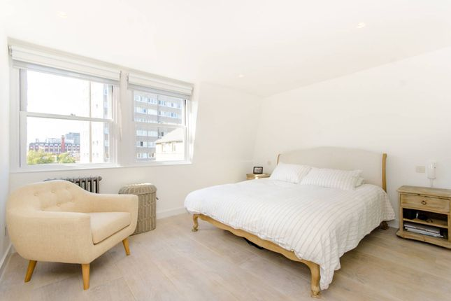 Thumbnail Flat to rent in Bath Street, Clerkenwell