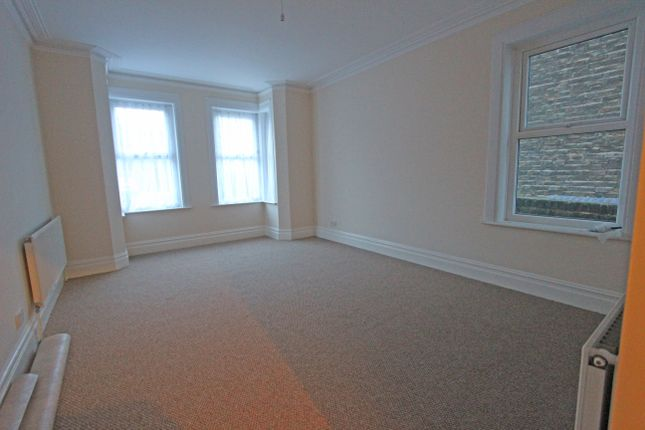 Thumbnail Flat to rent in Park Avenue, Dover