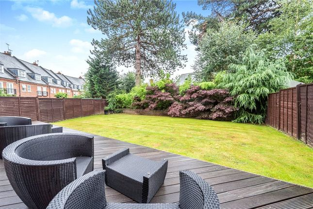 Garden 2 of Boyes Crescent, London Colney, St. Albans AL2