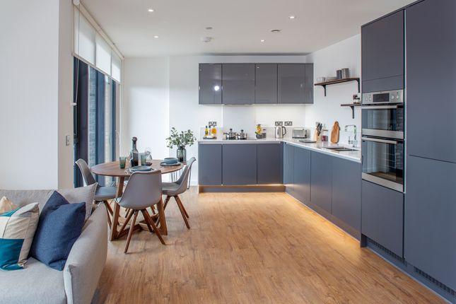 1 bedroom flat for sale in Nestles Avenue, Hillingdon