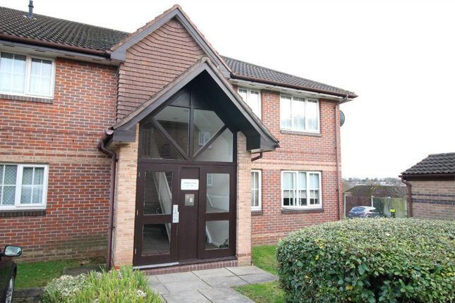Thumbnail Flat for sale in Vermont Close, Waverley Road, Enfield, Middlesex