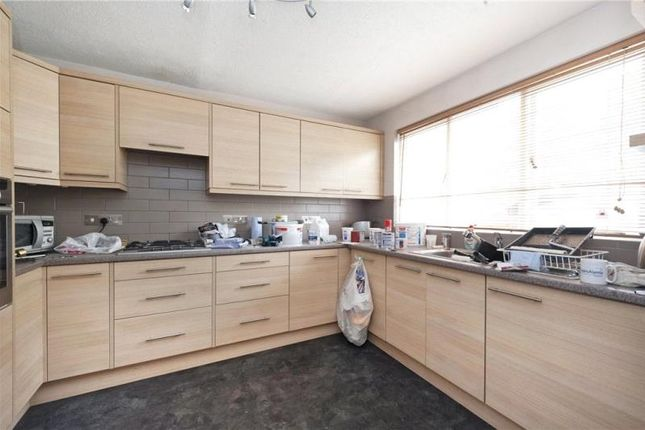 Thumbnail Property to rent in Heralds Place, London