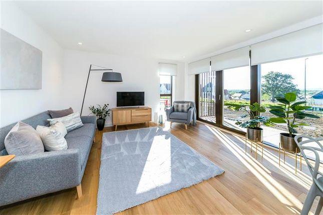 Thumbnail Flat to rent in Rocky Lane, Haywards Heath