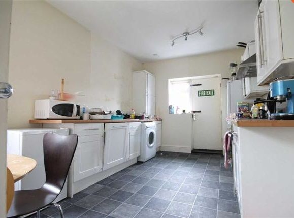 Maisonette to rent in Rothbury Terrace, Heaton