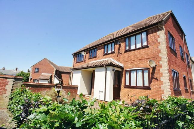 1 bed flat to rent in Station Road, Brightlingsea, Colchester