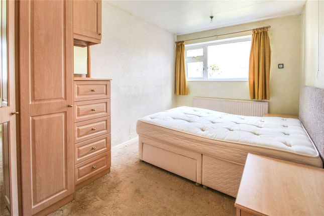 Bedroom One of Linkway Gardens, Leicester, Leicestershire LE3
