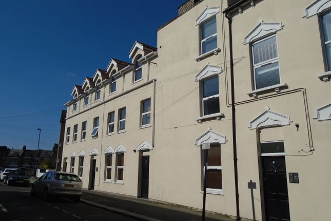 Thumbnail Flat to rent in Lanier Road, Hither Green