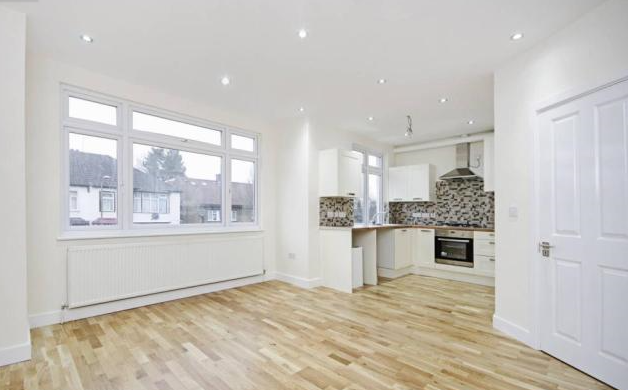 Flat for sale in Ashurst Road, North Finchley