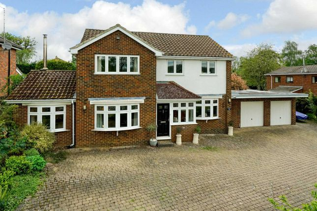 Thumbnail Detached house for sale in Highclere Drive, Hemel Hempstead