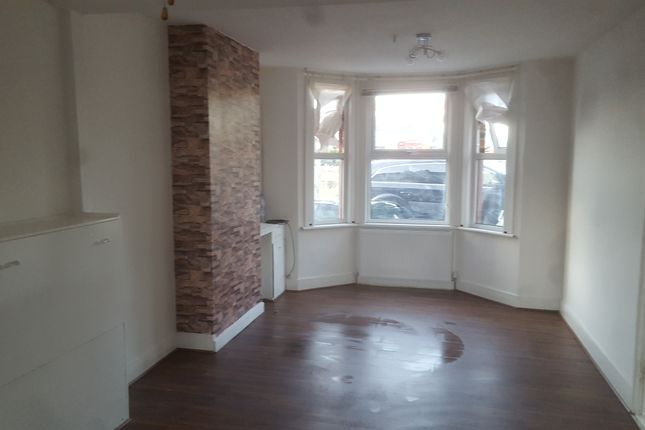 Thumbnail Terraced house to rent in Park Terrrace, Greenhihte