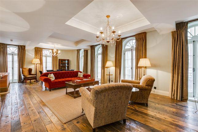 Thumbnail Flat to rent in Queen Street, Mayfair, London