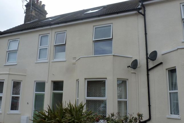 Thumbnail Flat to rent in Alexandra Road, Lowestoft