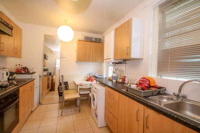 Thumbnail Flat to rent in Doddington Grove, London