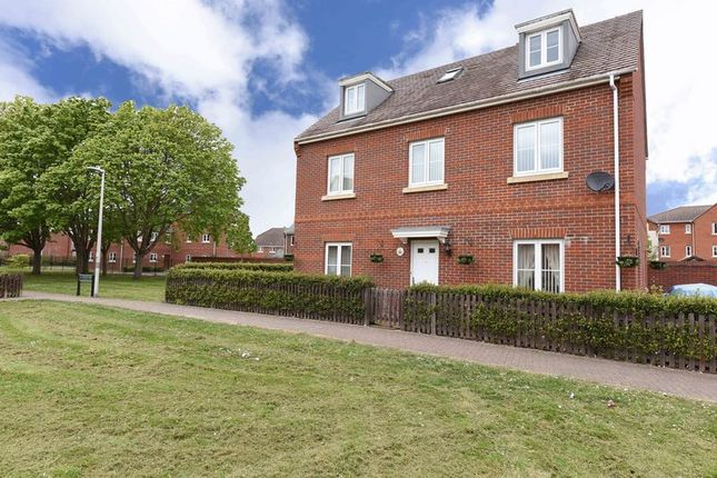 Thumbnail Detached house for sale in Military Drive, Thatcham