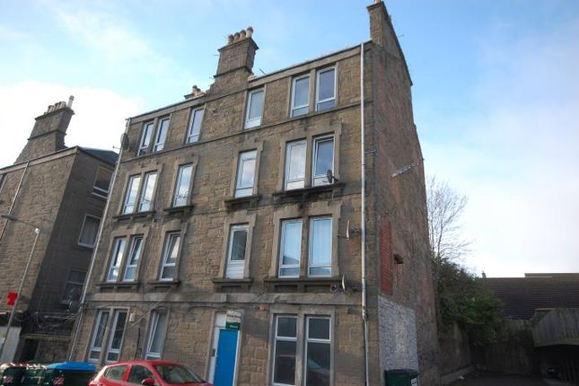 Thumbnail Flat to rent in Flat 1, 22 Erskine Street, Dundee
