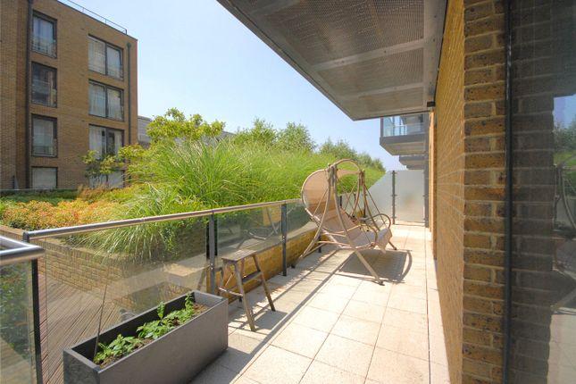 Thumbnail Flat to rent in Wallace Court, Tizzard Grove, Blackheath, London