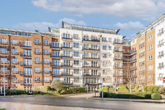 2 bed flat to rent in Royal Quarter, Seven Kings Way, Kingston Upon Thames KT2
