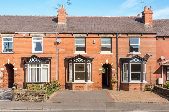 Thumbnail Terraced house for sale in Chatsworth Road, Chesterfield