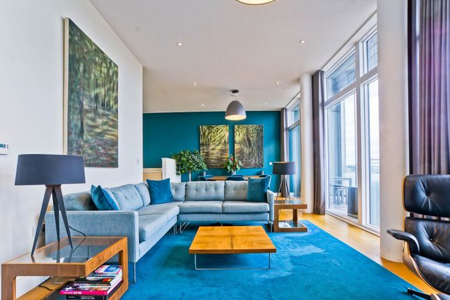 3 bed property for sale in 6 Peartree Way, London SE10