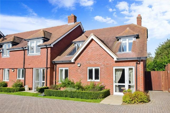 2 bed flat for sale in Station Road, Petworth, West Sussex GU28