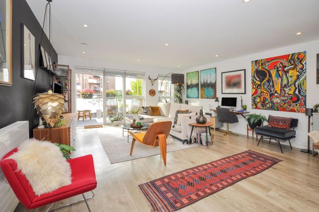3 bed flat for sale in 7 Station Approach, London SE26