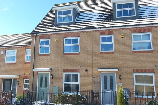 Thumbnail Town house for sale in Silver Street, Brownhills