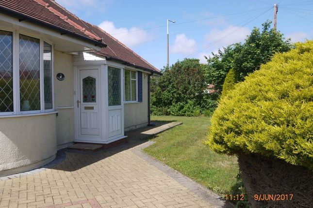 Thumbnail Bungalow to rent in Lawrence Avenue, Lytham St. Annes, Lancashire