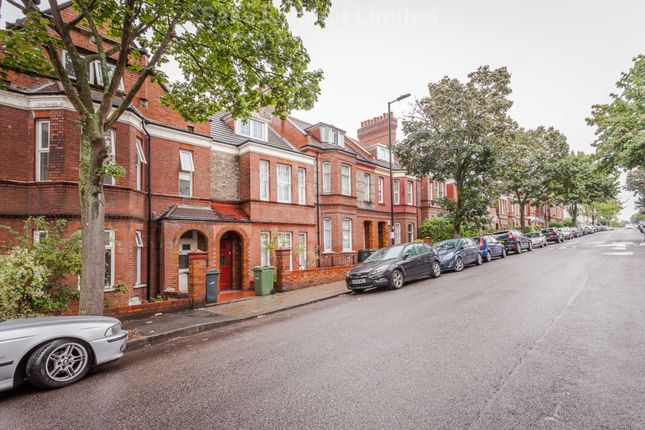 Thumbnail Terraced house to rent in Cricklade Avenue, London