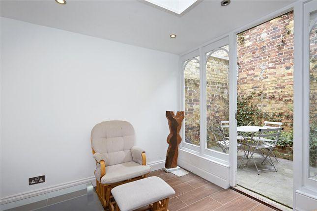 Reception 5 of Britten Street, Chelsea, London SW3