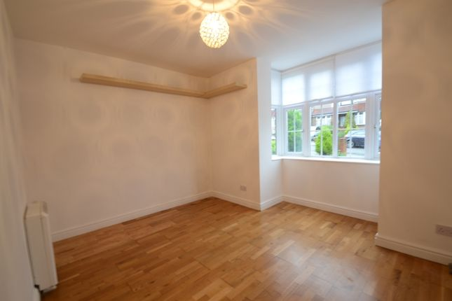 Thumbnail Flat to rent in Senlac Road, London
