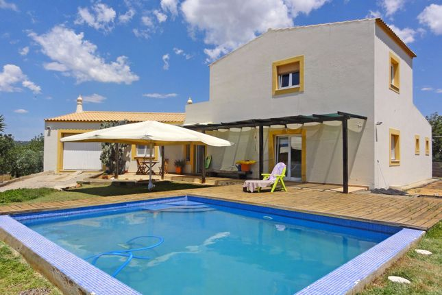 4 bed villa for sale in Moncarapacho, Olhão, Portugal