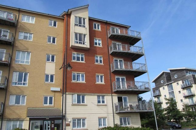 Thumbnail Flat to rent in Glan Y Mor, Barry, Vale Of Glamorgan