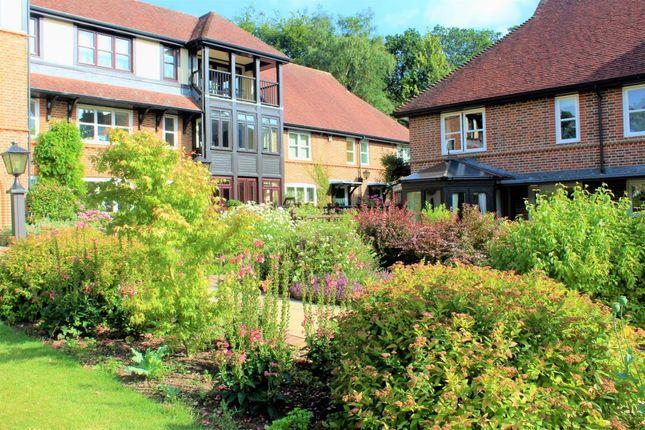 2 bed property for sale in Mytchett Heath, Camberley GU16